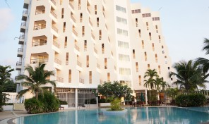 Sold out/Buy Condo 1 Bedroom fully kitchen, Sea Sand Sun Condominium, on beach rd.