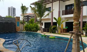 Villa 2 bedrooms with pool on beach Road, Rayong for sell