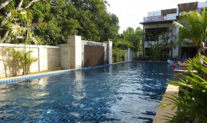 House for sell on beach road for 3 bedrooms house with pool